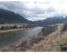 Memantau Daerah Aliran Sungai Yellowstone Dengan HOBO Data Logger